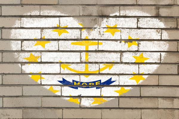 Kalp şekli bayrak Rhode Island tuğla duvar kalp Stok fotoğraf © vepar5