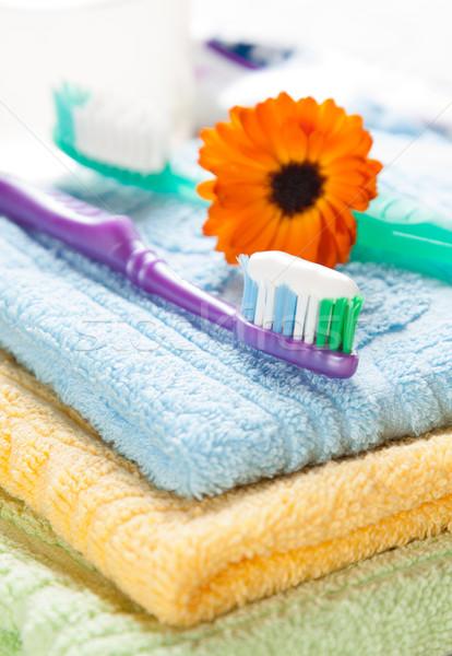 Escova de dentes creme dental fresco toalhas Foto stock © veralub