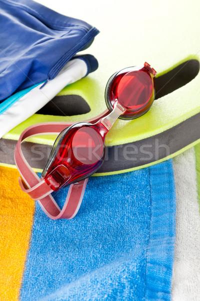 Colorido toalla de playa natación gafas de protección par rojo Foto stock © veralub