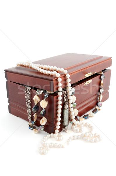 Open petto legno perle gioielli Foto d'archivio © veralub