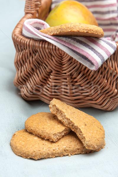 Cookies picknickmand gouden gezonde Stockfoto © veralub
