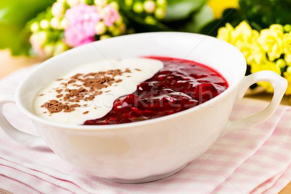 Piros gyümölcs zselé vanília mártás gyümölcsök Stock fotó © vertmedia