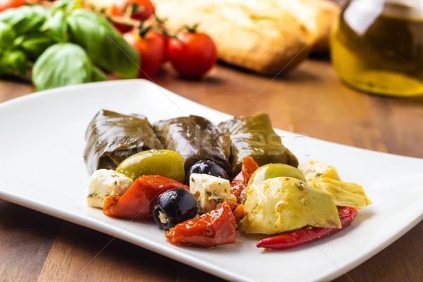 Antipasti vegyes tányér paradicsomok olajbogyók szőlő Stock fotó © vertmedia