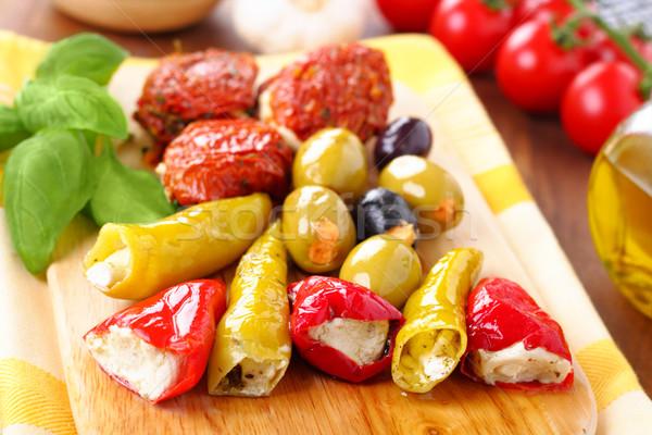 Antipasti vegyes tányér paradicsomok olajbogyók paprikák Stock fotó © vertmedia