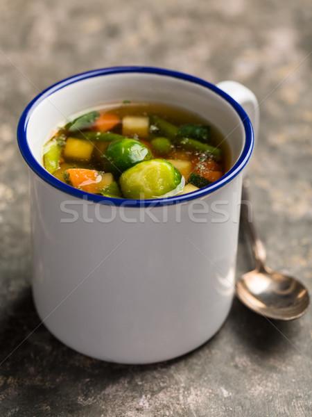 Vegan soupe aux légumes Bruxelles carottes pois alimentaire Photo stock © vertmedia