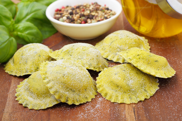 Bazsalikom ravioli ízletes tömés olaj vacsora Stock fotó © vertmedia