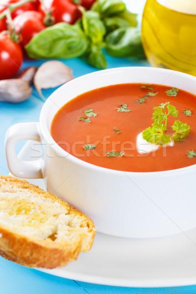 トマトスープ 新鮮な ハーブ 自家製 ガーリックブレッド ディナー ストックフォト © vertmedia