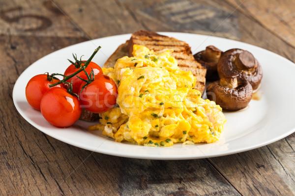 Roereieren rustiek toast champignons voedsel eten Stockfoto © vertmedia