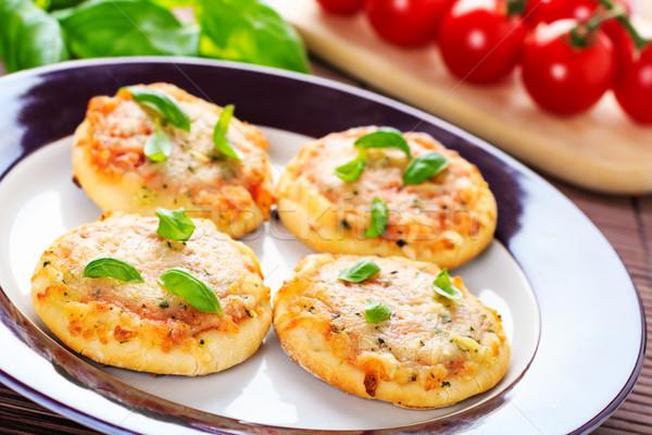 Foto stock: Vegetariano · mini · caseiro · servido · pizza