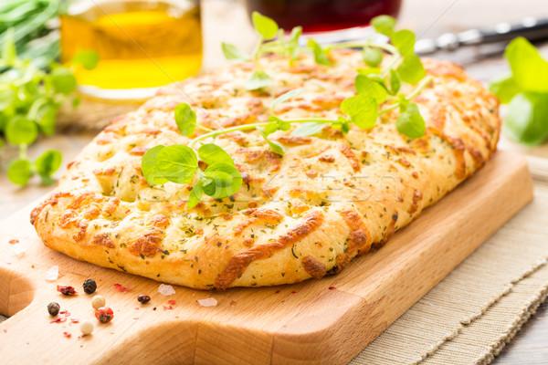 Foto d'archivio: Fresche · fatto · in · casa · rosmarino · formaggio · aglio · olio