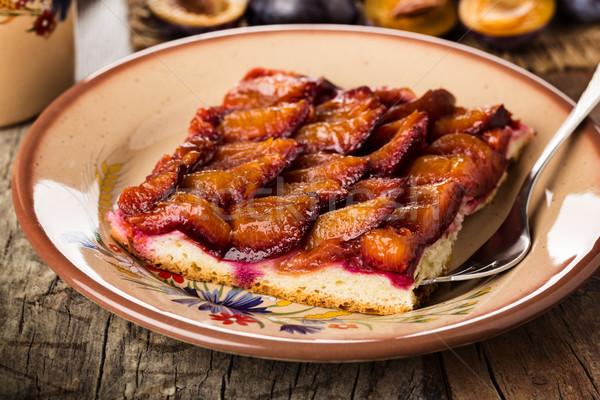 Сток-фото: слива · торт · домашний · служивший · пластина · пирог