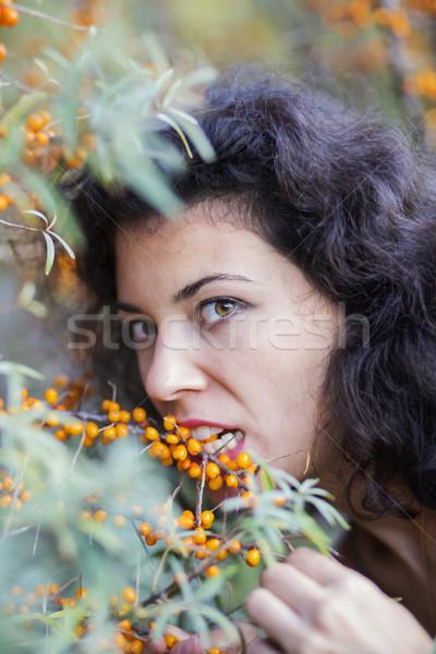 Vrouw bijten model zomer portret Stockfoto © vetdoctor