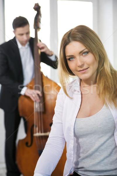 Nő játékos fehér zene férfi divat Stock fotó © vetdoctor