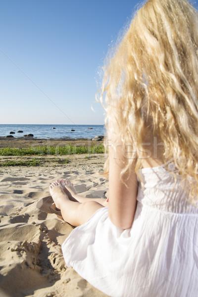 Mulher vestido branco pernas pernas longas festa feliz Foto stock © vetdoctor