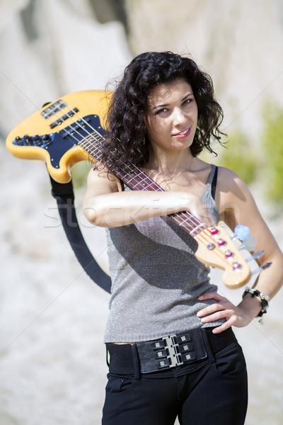 Mulher guitarra ombro arenoso modelo verão Foto stock © vetdoctor