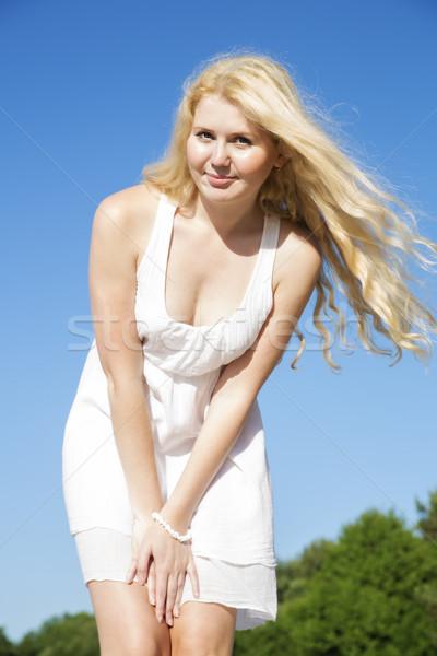 Pózol nő fehér ruha puha buli boldog Stock fotó © vetdoctor