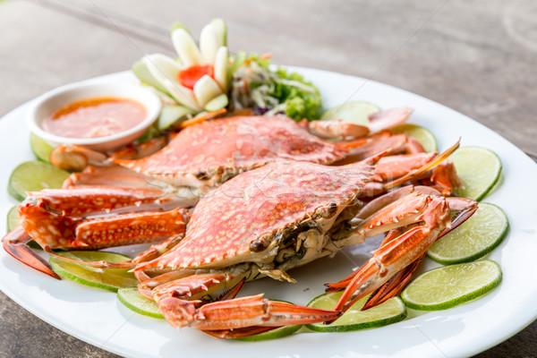 Buhar yengeç deniz ürünleri kırmızı limon kireç Stok fotoğraf © vichie81