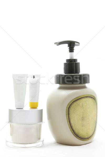 美女・ 化妆品 ・ 奶油