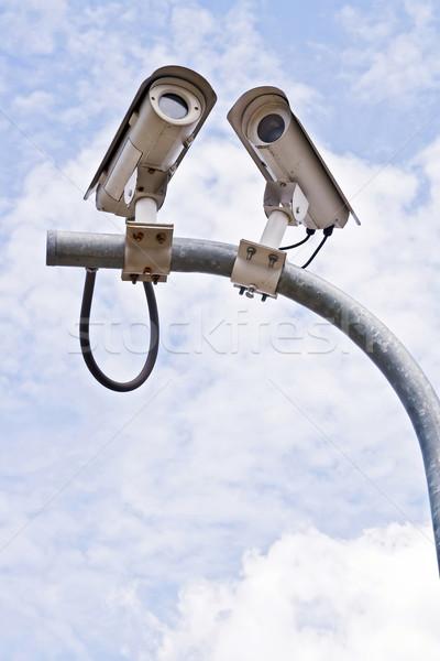 Cctv caméra de sécurité ciel bleu affaires télévision Photo stock © vichie81
