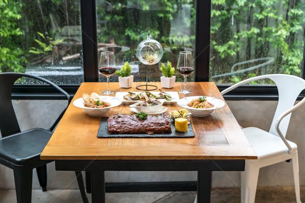Eettafel voedsel klaar familie partij wijn Stockfoto © vichie81