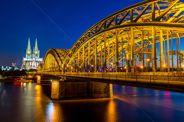 Colonia catedral Alemania puente cielo edificio Foto stock © vichie81