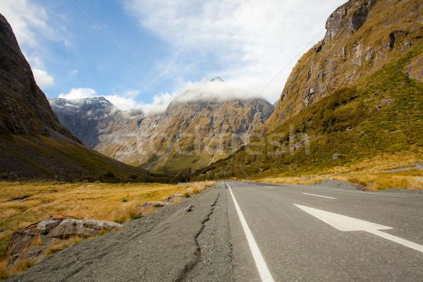 Nova Zelândia montanha paisagem neve nuvem soar Foto stock © vichie81
