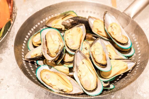Fresh mussel Stock photo © vichie81