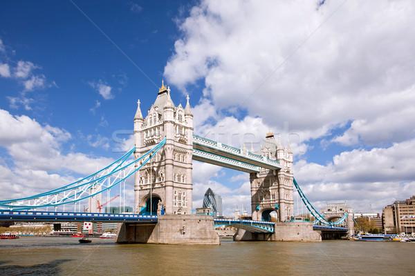 Tower Bridge mavi gökyüzü İngiltere mavi nehir bulut Stok fotoğraf © vichie81