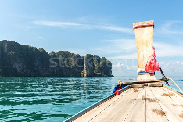 Tropikal plaj tekne geleneksel uzun kuyruk tekneler Stok fotoğraf © vichie81