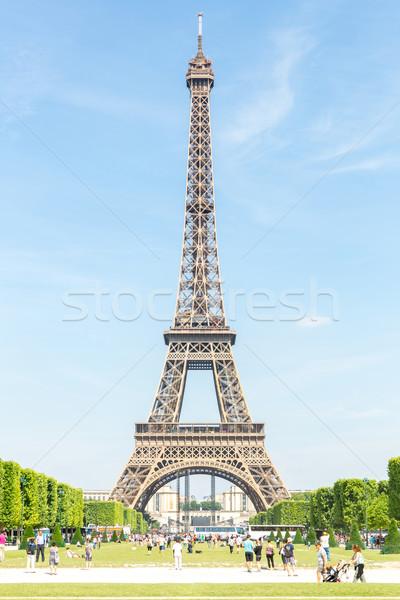 Eyfel Kulesi mavi gökyüzü bahçe Paris Fransa Bina Stok fotoğraf © vichie81