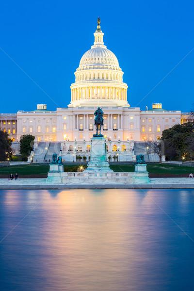 épület alkonyat Washington DC USA égbolt víz Stock fotó © vichie81