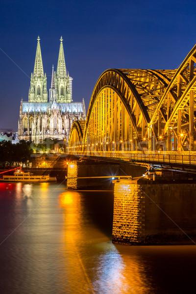 Colonia catedral Alemania puente edificio noche Foto stock © vichie81