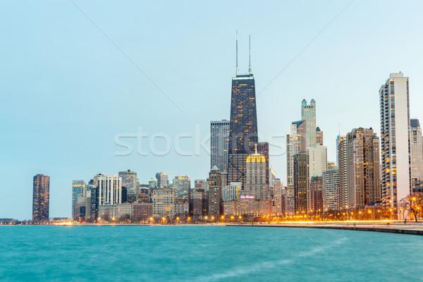 Chicago crépuscule centre-ville lac Michigan bureau Photo stock © vichie81