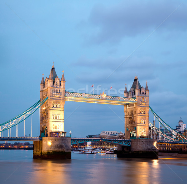 Tower Bridge architectuur rivier theems Londen Engeland Stockfoto © vichie81