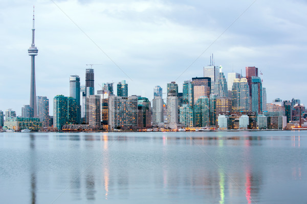 Toronto horizonte anochecer ontario Canadá negocios Foto stock © vichie81