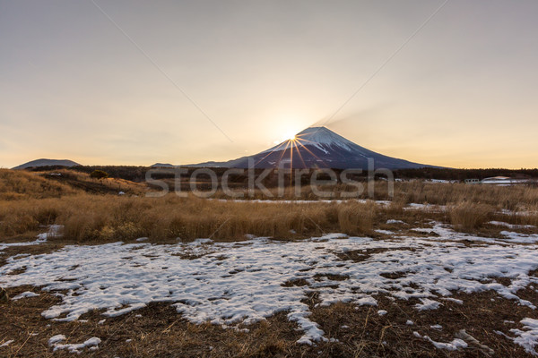 Górskich fuji Świt diament zimą krajobraz Zdjęcia stock © vichie81