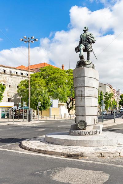 Estátua Lisboa Portugal edifício mar viajar Foto stock © vichie81