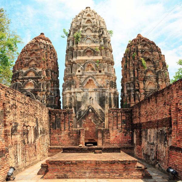Ruin in Sukhothai historical park Stock photo © vichie81
