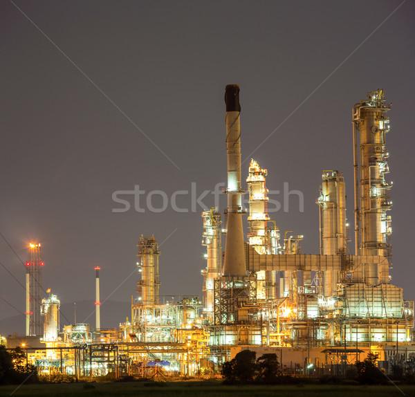 Refinería de petróleo planta panorama anochecer construcción noche Foto stock © vichie81