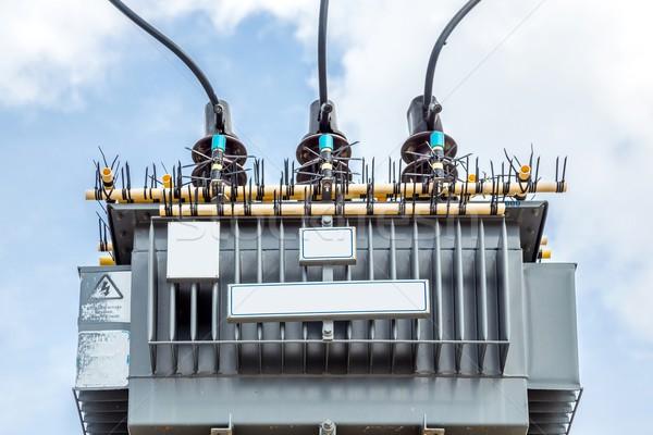 Elettrici trasformatore cielo blu tecnologia rete blu Foto d'archivio © vichie81