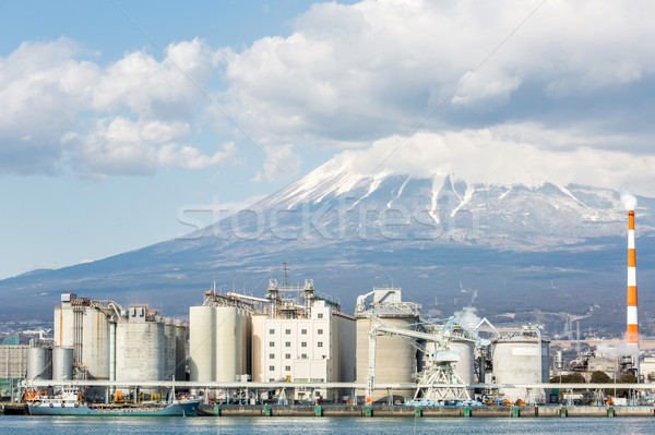 Montanha fuji fábrica Japão indústria céu Foto stock © vichie81