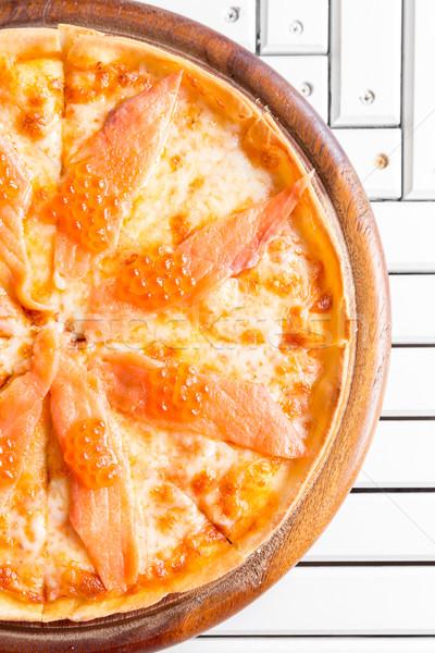 Wędzony łosoś pizza jaj biały drewniany stół ser Zdjęcia stock © vichie81