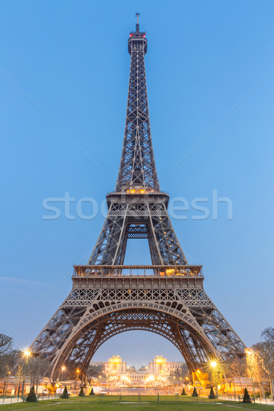 Eyfel Kulesi gündoğumu tan Paris Fransa Bina Stok fotoğraf © vichie81