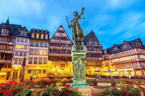 Város tér Frankfurt Németország óváros szobor Stock fotó © vichie81