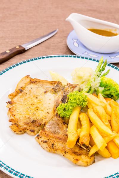 豚肉 焼き フライドポテト 食品 プレート 肉 ストックフォト © vichie81