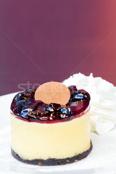 Myrtille cheesecake fond plaque blanche dessert Photo stock © vichie81