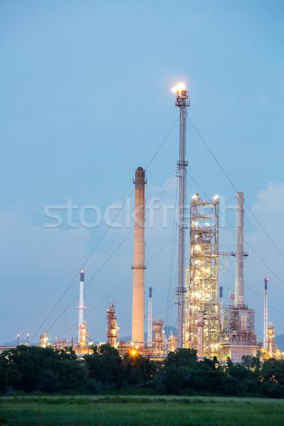 Fábrica planta crepúsculo fumar indústria Foto stock © vichie81
