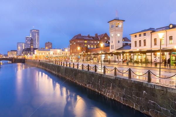 Paisaje urbano centro de la ciudad noche crepúsculo edificio mar Foto stock © vichie81
