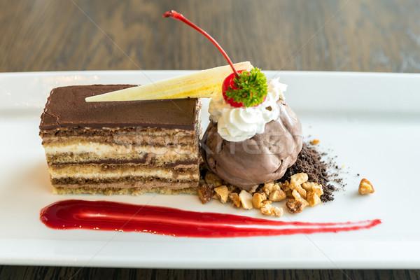 Gâteau opéra chocolat crème glacée alimentaire café Photo stock © vichie81