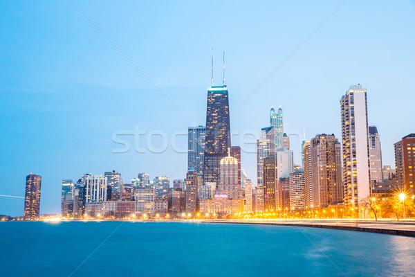 Chicago akşam karanlığı şehir merkezinde göl Michigan ofis Stok fotoğraf © vichie81